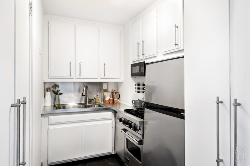 77 East 12th Street 17d, East Village, NYC, 10003, $825,000, Sold Property, Halstead Real Estate, Photo 6