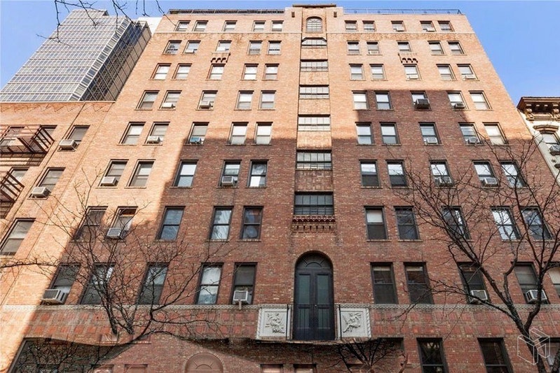 321 East 54th Street 2E, Midtown East, NYC, $1,900, Web #: 18473261