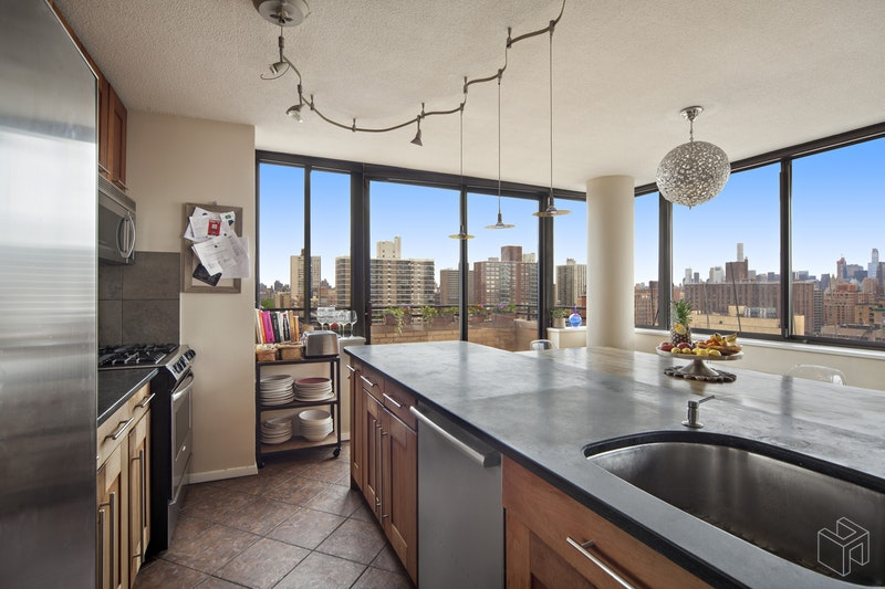 275 West 96th Street 26g, Upper West Side, NYC, 10025, $2,500,000, Sold Property, Halstead Real Estate, Photo 2
