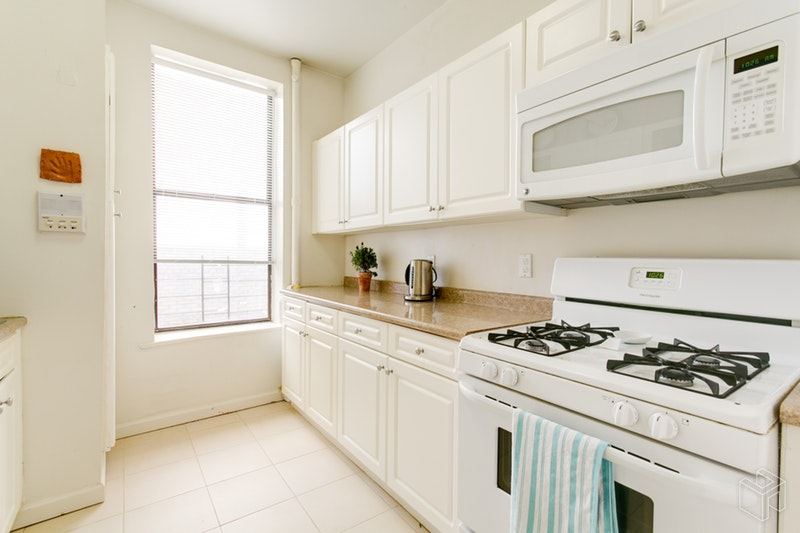 203 West 94th Street 6A, Upper West Side, NYC, $4,250, Web #: 18567117