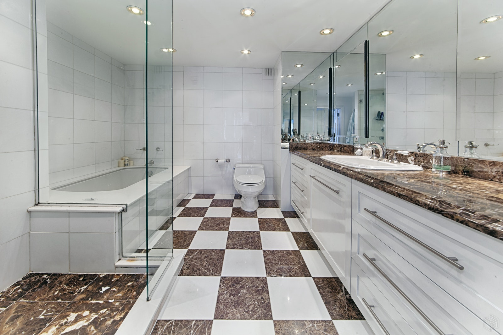 303 East 57th Street 20b, Midtown East, NYC, 10022, $750,000, Sold Property, Halstead Real Estate, Photo 2