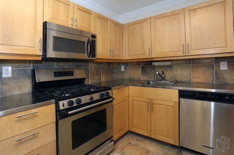 100 West 89th Street 4k, Upper West Side, NYC, 10024, $3,400, Rented Property, Halstead Real Estate, Photo 3