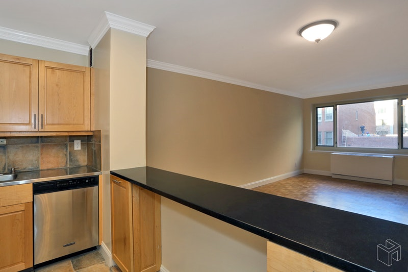 100 West 89th Street 4k, Upper West Side, NYC, 10024, $3,400, Rented Property, Halstead Real Estate, Photo 5