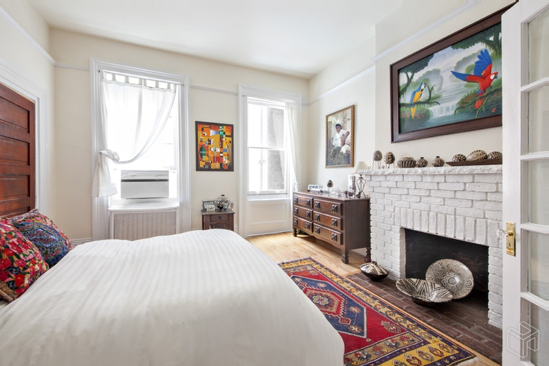 374 Bleecker Street 2, West Village, NYC, $4,600, Web #: 18654990
