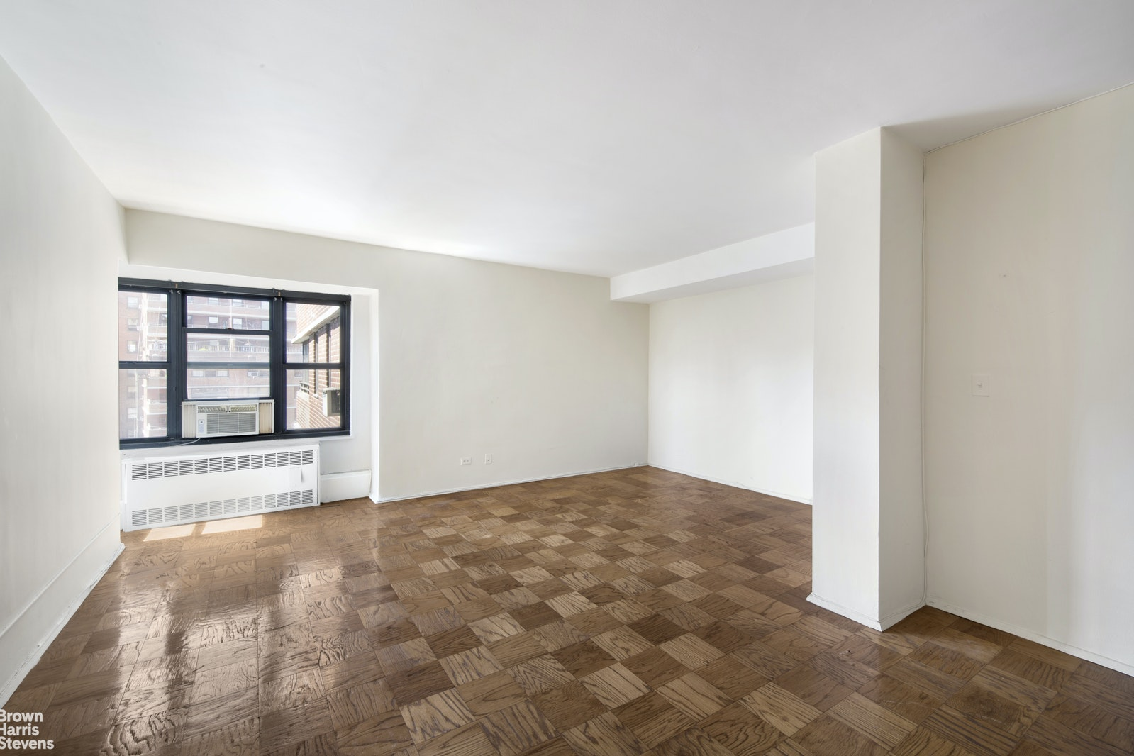 264 East Broadway, Lower East Side, NYC, $660,000, Web #: 18659240