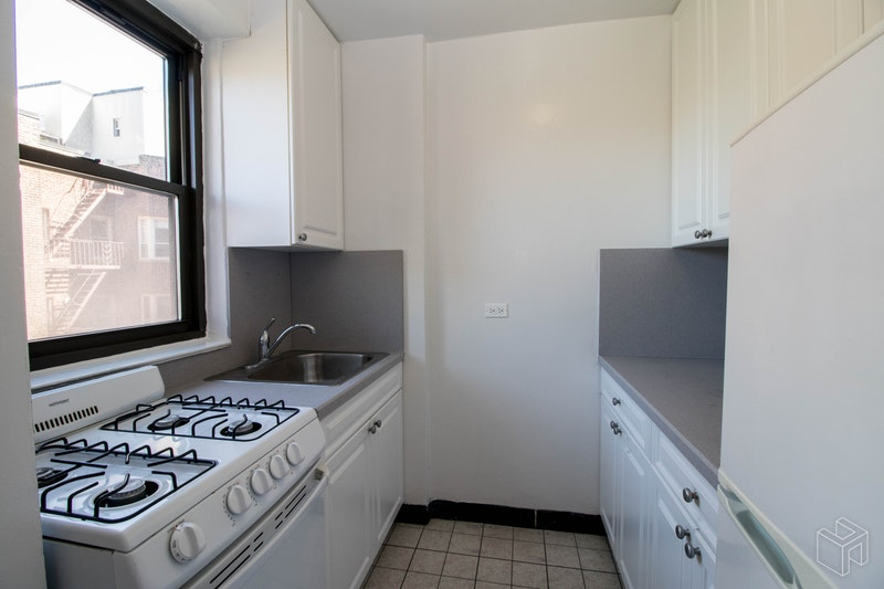 York Avenue, Upper East Side, NYC, 10128, Price Not Disclosed, Rented Property, Halstead Real Estate, Photo 2