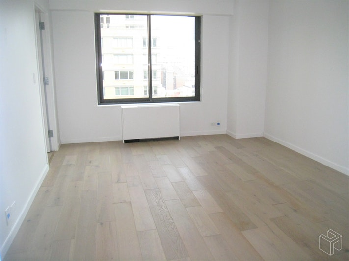 200 East 61st Street 15D, Upper East Side, NYC, $4,600, Web #: 18679766