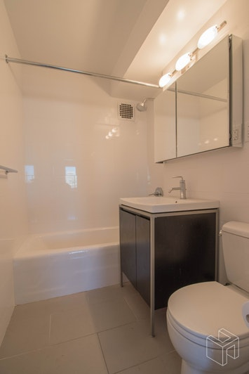 East 87th Street, Upper East Side, NYC, 10128, Price Not Disclosed, Rented Property, Halstead Real Estate, Photo 9