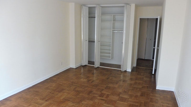 East 84th Street, Upper East Side, NYC, $3,900, Web #: 18689674