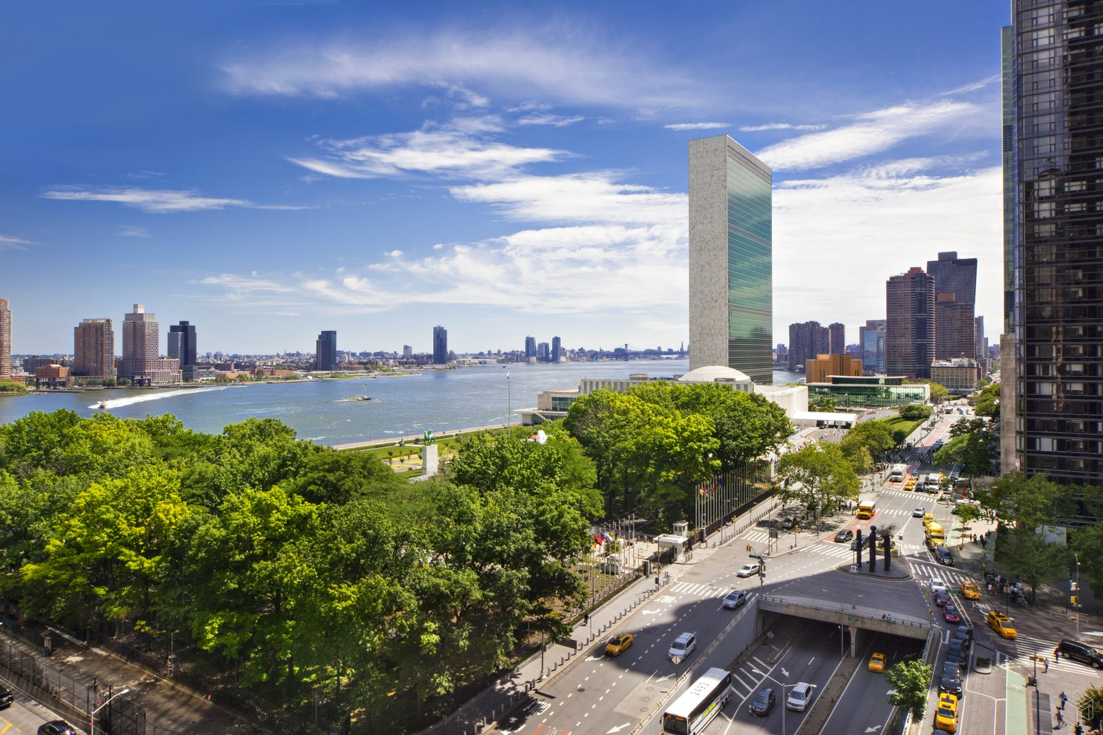 865 United Nations Plaza 14A, Midtown East, NYC, $1,195,000, Web #: 18689892