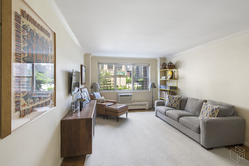 340 East 80th Street 2e, Upper East Side, NYC, 10075, $1,175,000, Sold Property, Halstead Real Estate, Photo 2