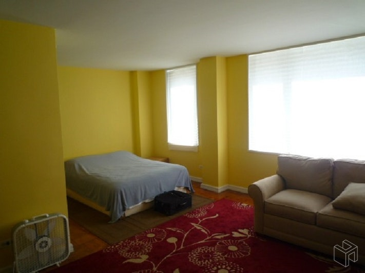 East 87th Street, Upper East Side, NYC, 10128, Price Not Disclosed, Rented Property, Halstead Real Estate, Photo 2