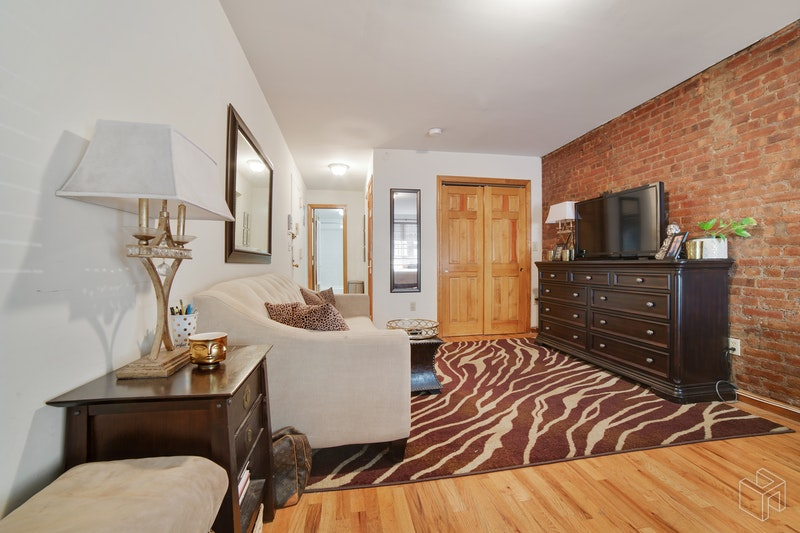 107 West 74th Street Bf, Upper West Side, NYC, $1,975, Web #: 18771736