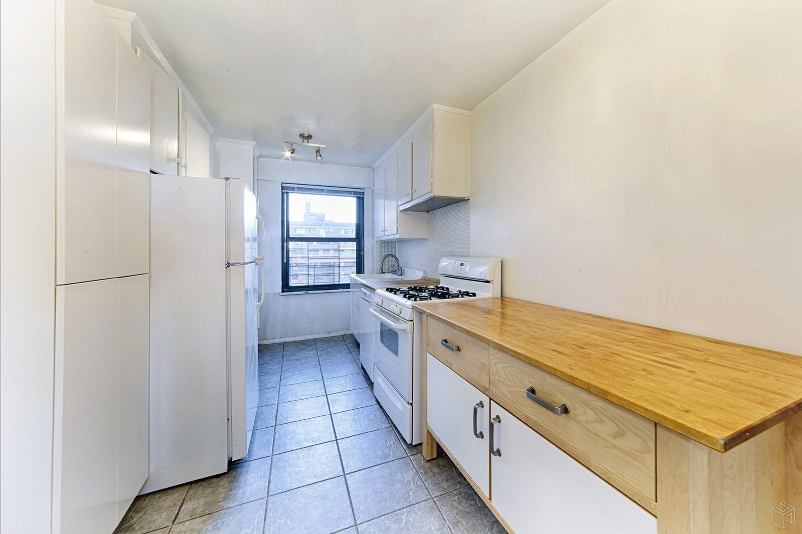 385 Grand Street, Lower East Side, NYC, 10002, $1,495,000, Sold Property, Halstead Real Estate, Photo 4