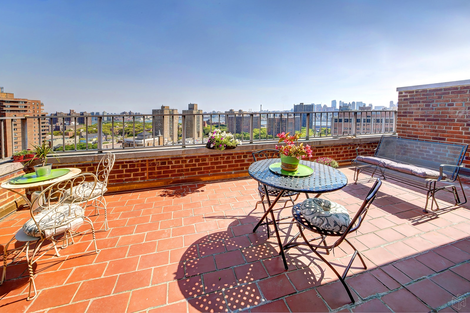 212 East Broadway, Lower East Side, NYC, 10002, $1,045,000, Sold Property, Halstead Real Estate, Photo 1