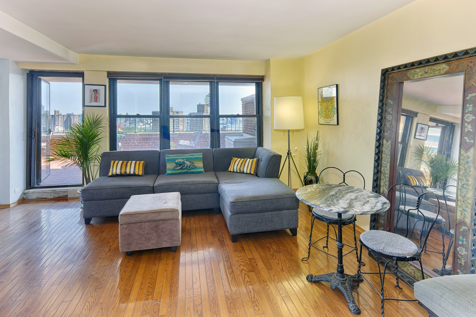 212 East Broadway, Lower East Side, NYC, 10002, $1,045,000, Sold Property, Halstead Real Estate, Photo 4
