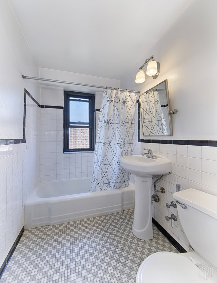 212 East Broadway, Lower East Side, NYC, 10002, $1,045,000, Sold Property, Halstead Real Estate, Photo 8