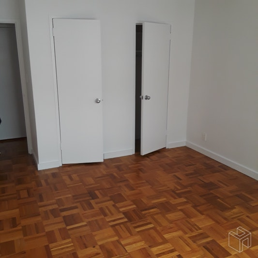 65 West 55th Street, Midtown West, NYC, $3,300, Web #: 18933780