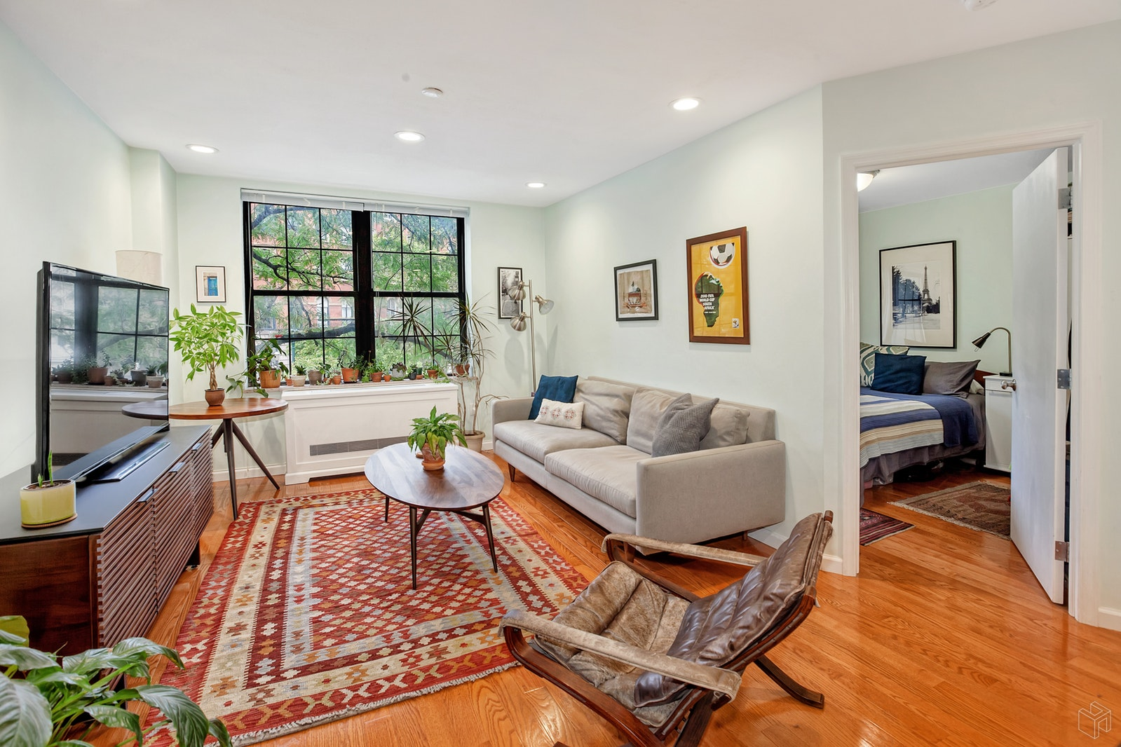 214 East 9th Street 2A, East Village, NYC, $995,000, Web #: 18952741