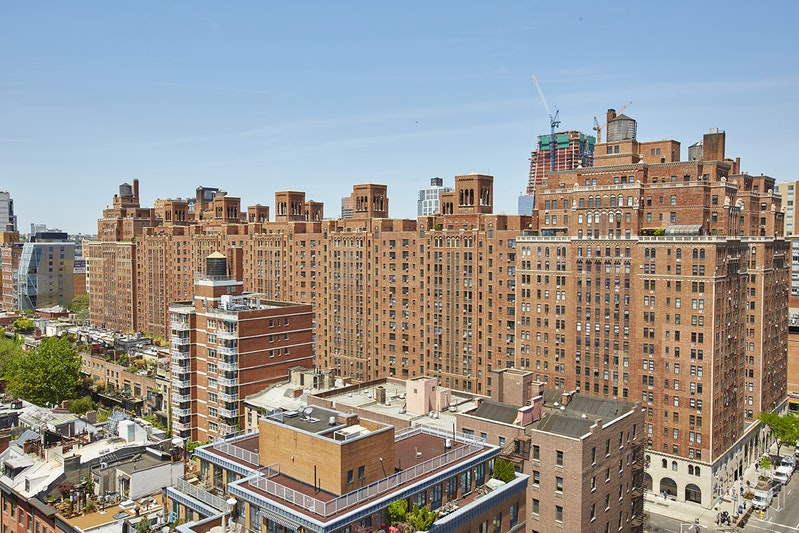 London Terrace Towe, Chelsea, NYC, $575,000, Web #: 18955800