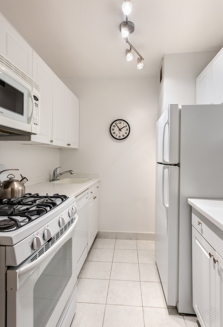 61 West 62nd Street 9a, Upper West Side, NYC, 10023, $675,000, Property For Sale, Halstead Real Estate, Photo 4