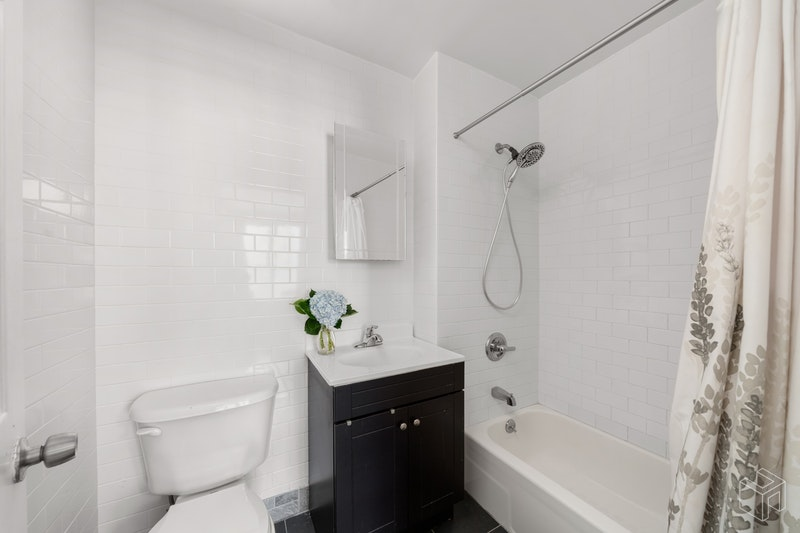 115 East 18th Street 3, Gramercy Park, NYC, 10003, Price Not Disclosed, Rented Property, Halstead Real Estate, Photo 3