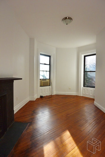 458 Clinton Avenue, Fort Greene, Brooklyn, NY, $3,200, Web #: 18992279