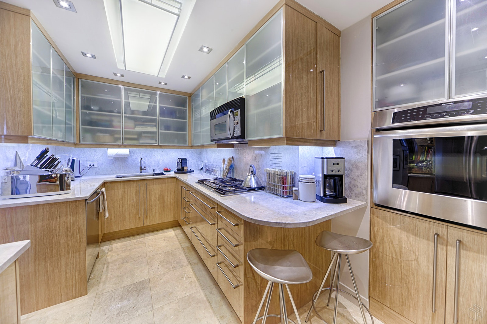 303 East 57th Street 40f, Midtown East, NYC, 10022, $1,100,000, Sold Property, Halstead Real Estate, Photo 3