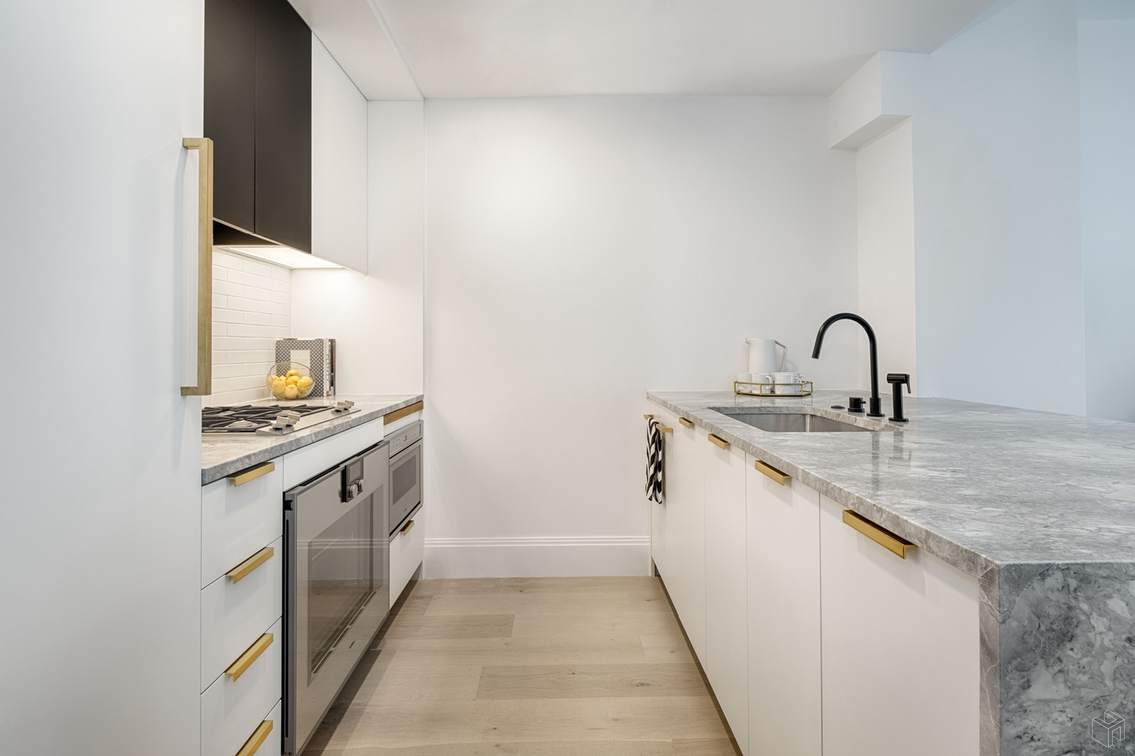 610 Warren Street 4b, Boerum Hill, Brooklyn, NY, 11217, $1,655,000, Sold Property, Halstead Real Estate, Photo 2