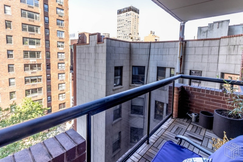 300 East 62nd Street, Upper East Side, NYC, $3,500, Web #: 19072662
