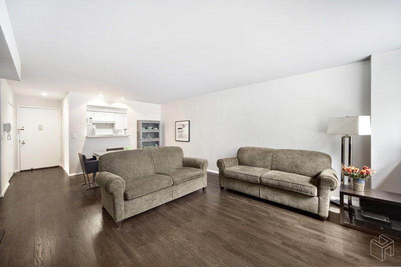 313 West 22nd Street Ld, Chelsea, NYC, $3,950, Web #: 19073052