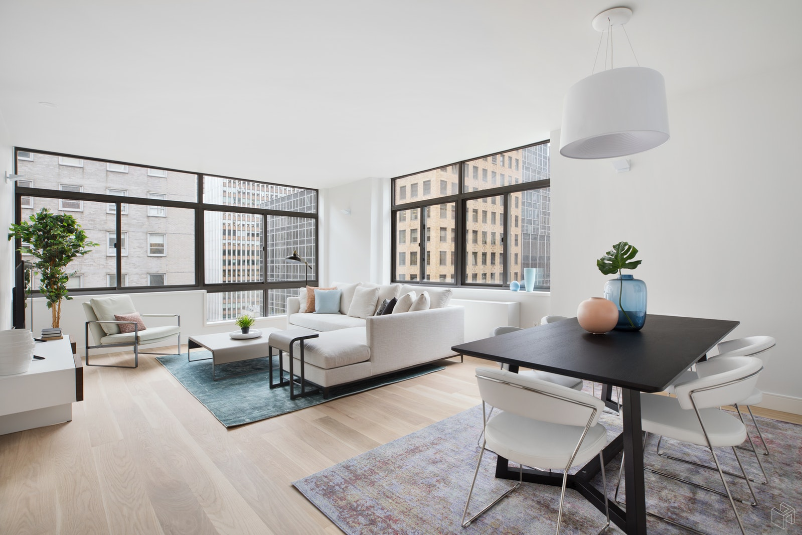 303 East 43rd Street 7b, Midtown East, NYC, 10017, $1,850,000, Property For Sale, Halstead Real Estate, Photo 1