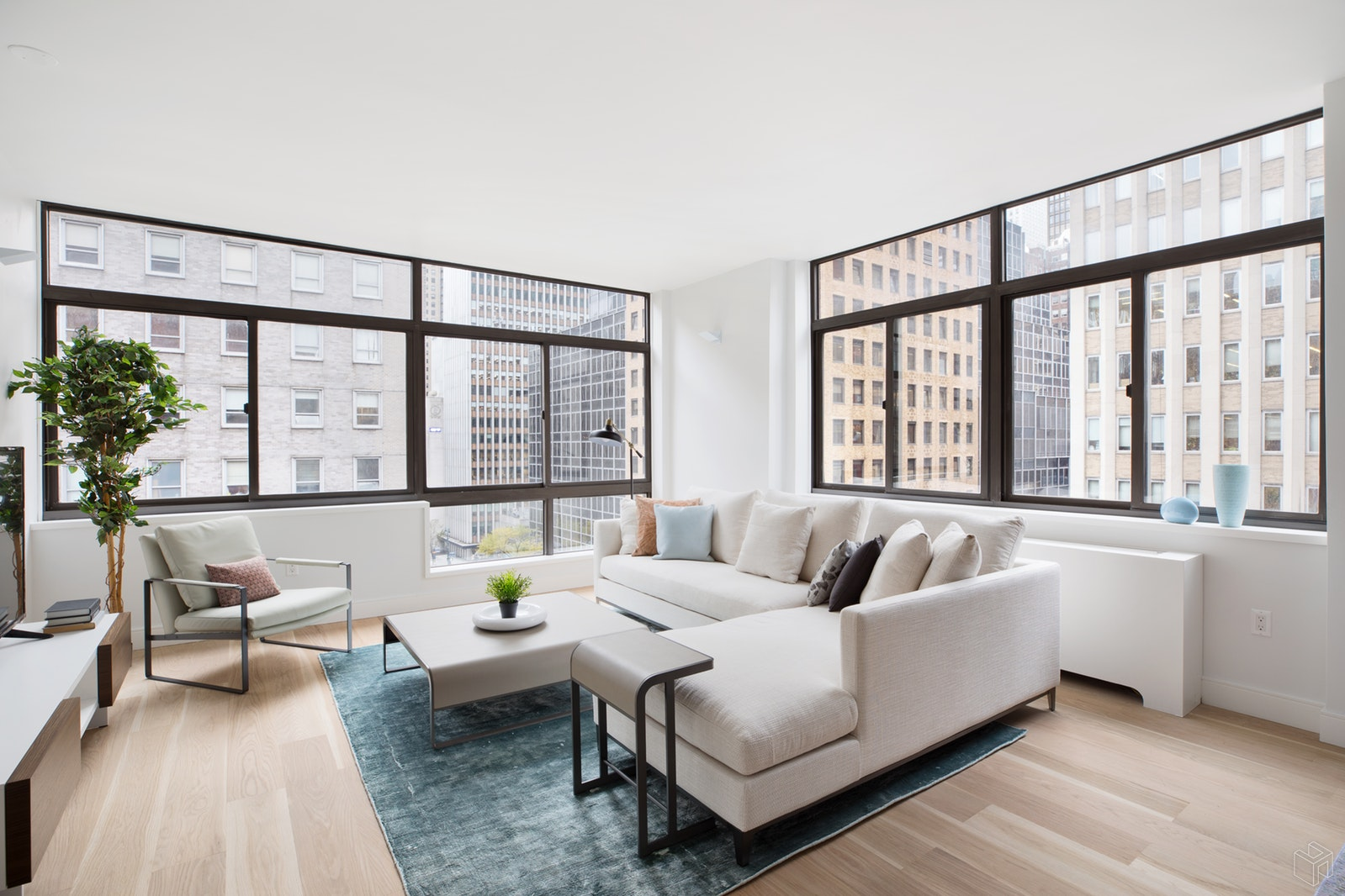 303 East 43rd Street 7b, Midtown East, NYC, 10017, $1,850,000, Property For Sale, Halstead Real Estate, Photo 2