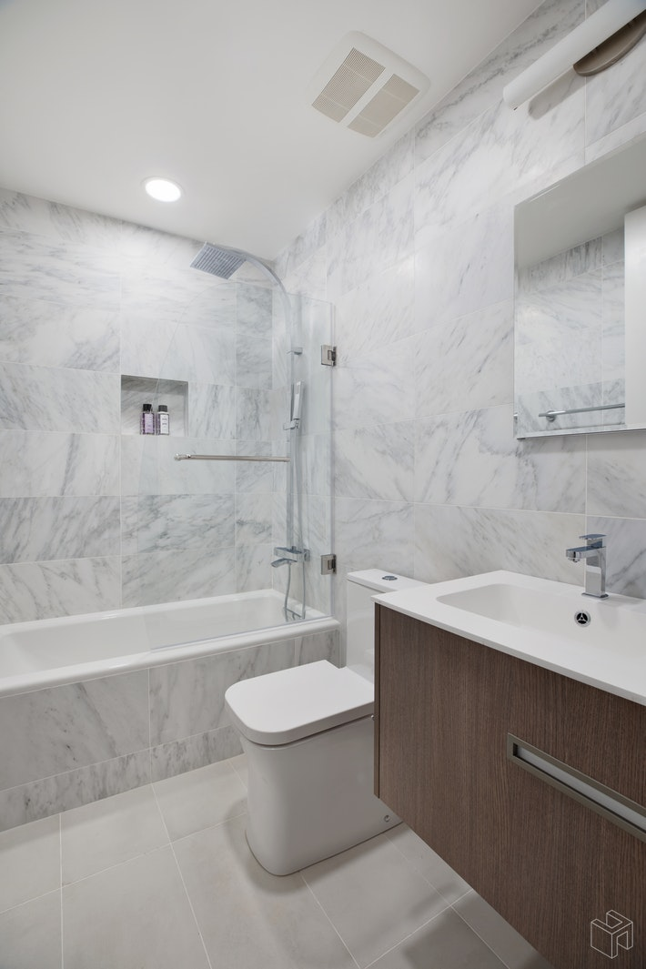 303 East 43rd Street 7b, Midtown East, NYC, 10017, $1,850,000, Property For Sale, Halstead Real Estate, Photo 9