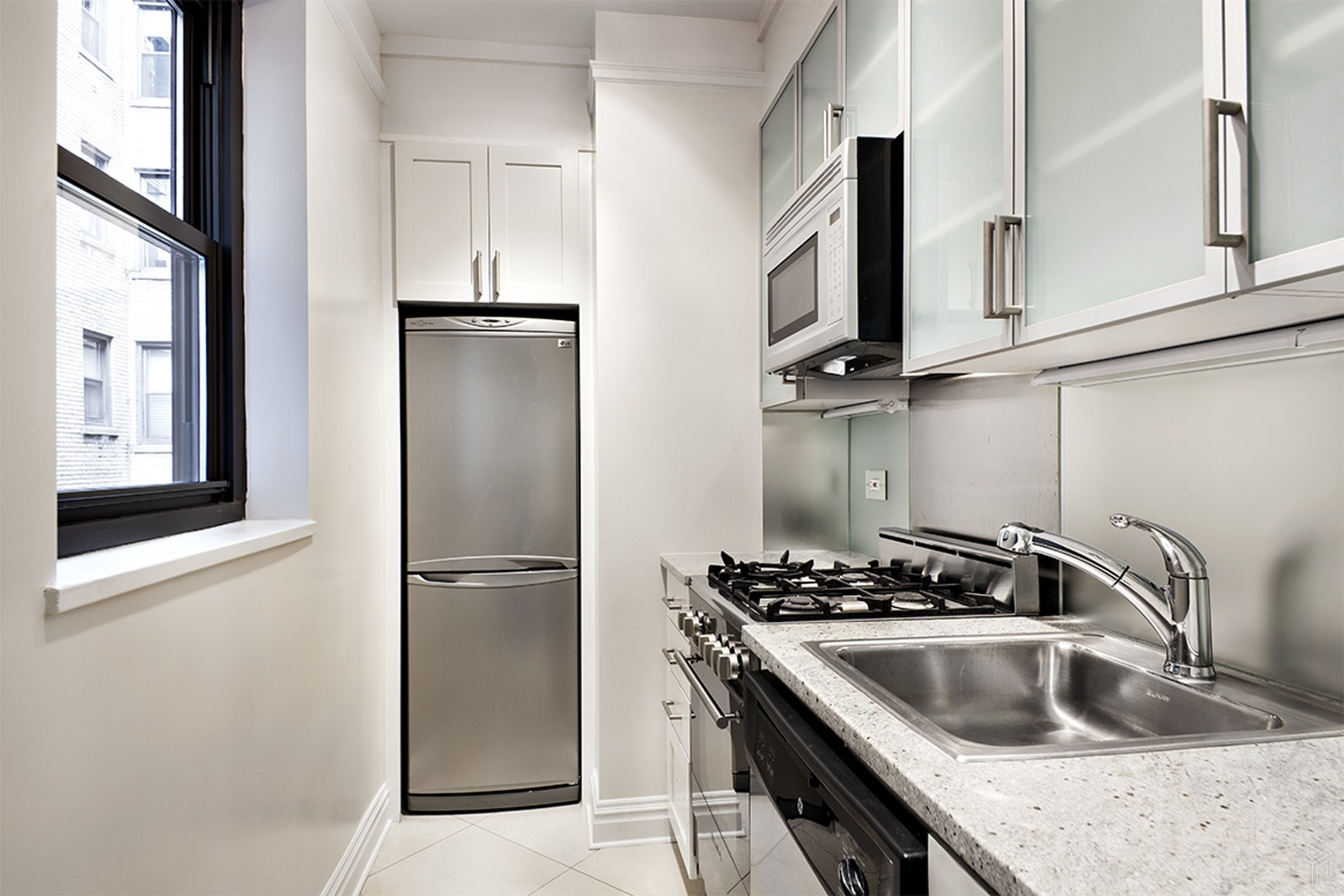 340 East 52nd Street 5f, Midtown East, NYC, 10022, $3,350, Rented Property, Halstead Real Estate, Photo 3