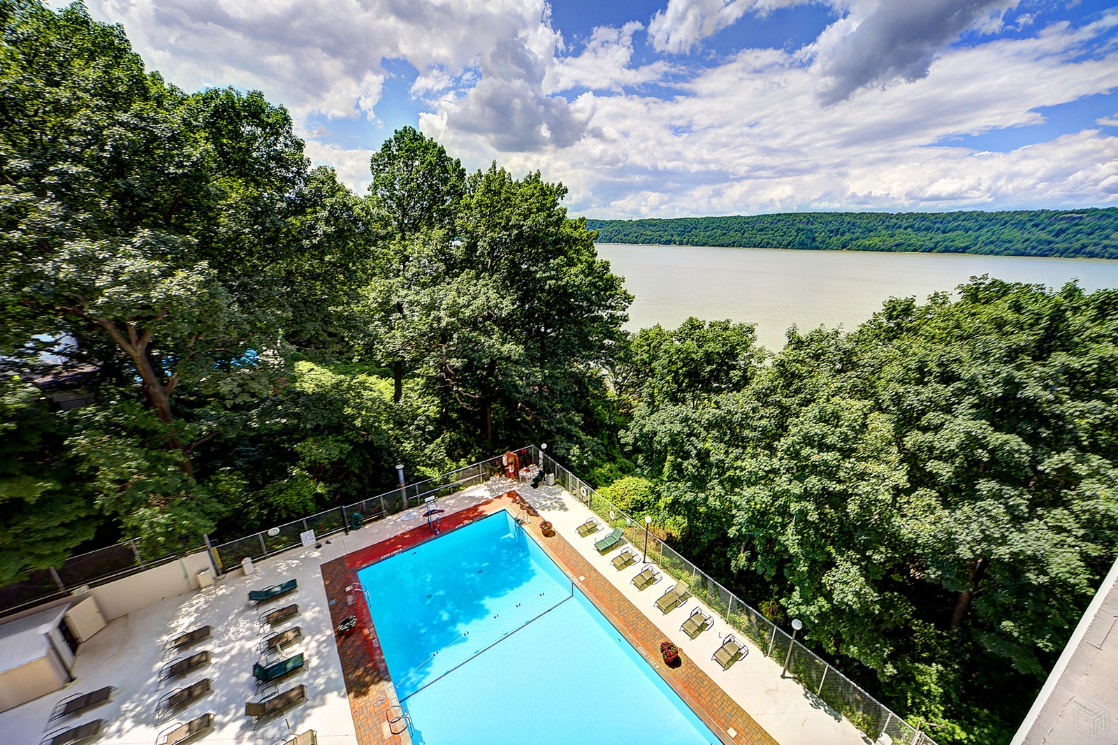 2621 Palisade Avenue 4f, Spuyten Duyvil, New York, 10463, $380,000, Sold Property, Halstead Real Estate, Photo 10