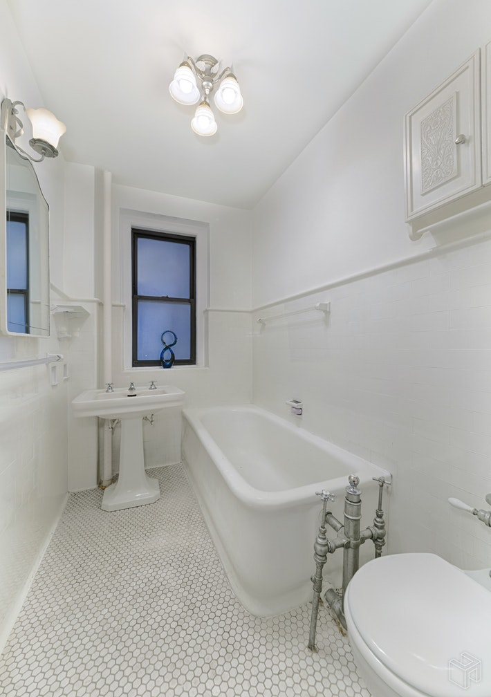 771 West End Avenue 2d, Upper West Side, NYC, 10025, $1,175,000, Sold Property, Halstead Real Estate, Photo 5