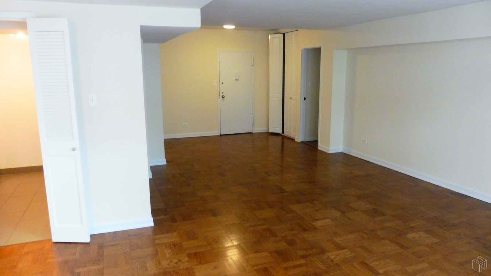 East 87th Street, Upper East Side, NYC, 10128, Price Not Disclosed, Rented Property, Halstead Real Estate, Photo 4
