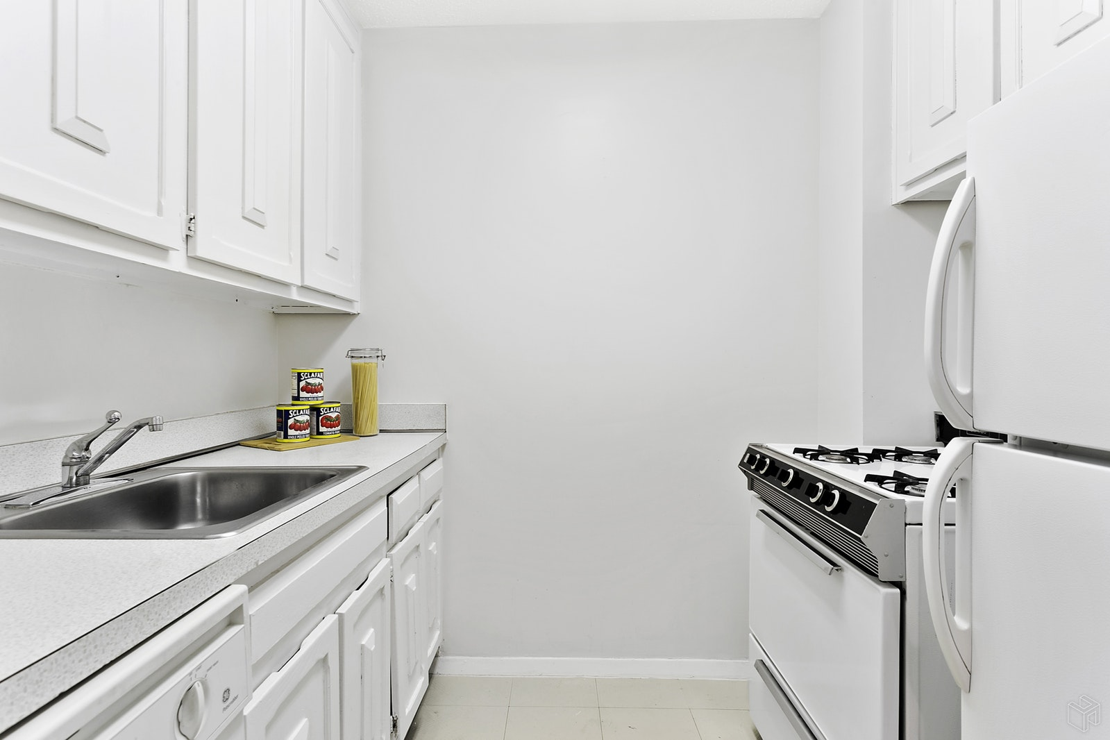 201 West 70th Street 22a, Upper West Side, NYC, 10023, $850,000, Sold Property, Halstead Real Estate, Photo 5