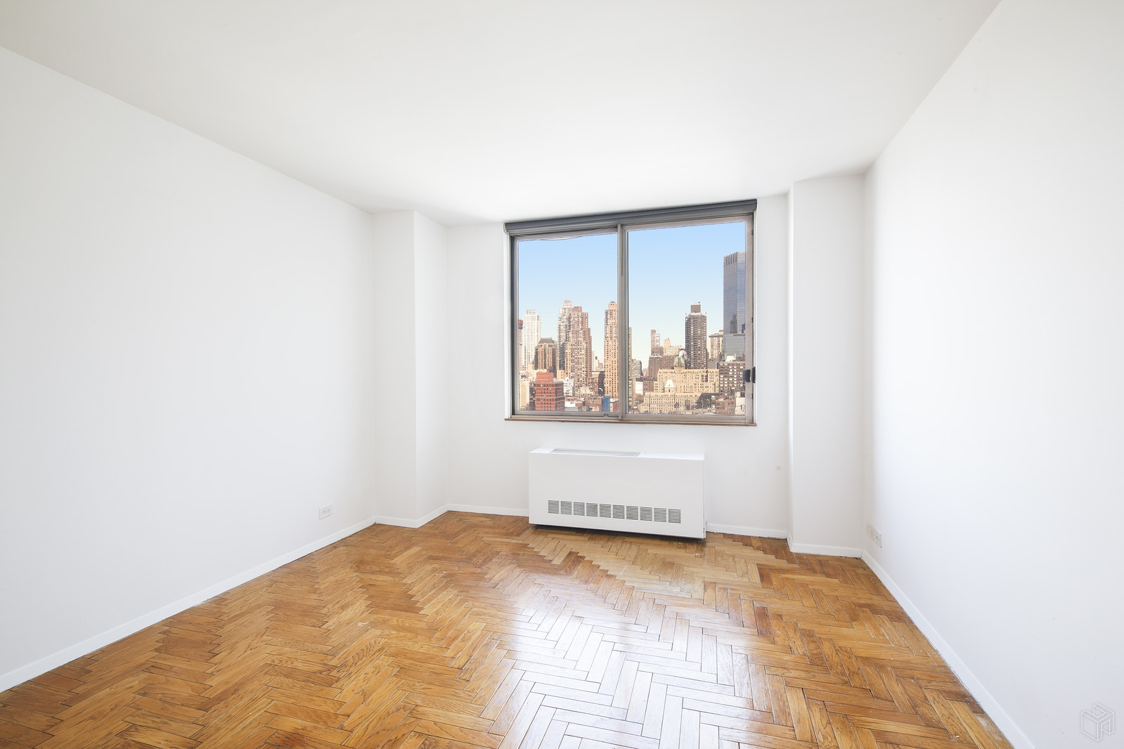 350 West 50th Street 25F, Midtown West, NYC, $5,700, Web #: 19318768