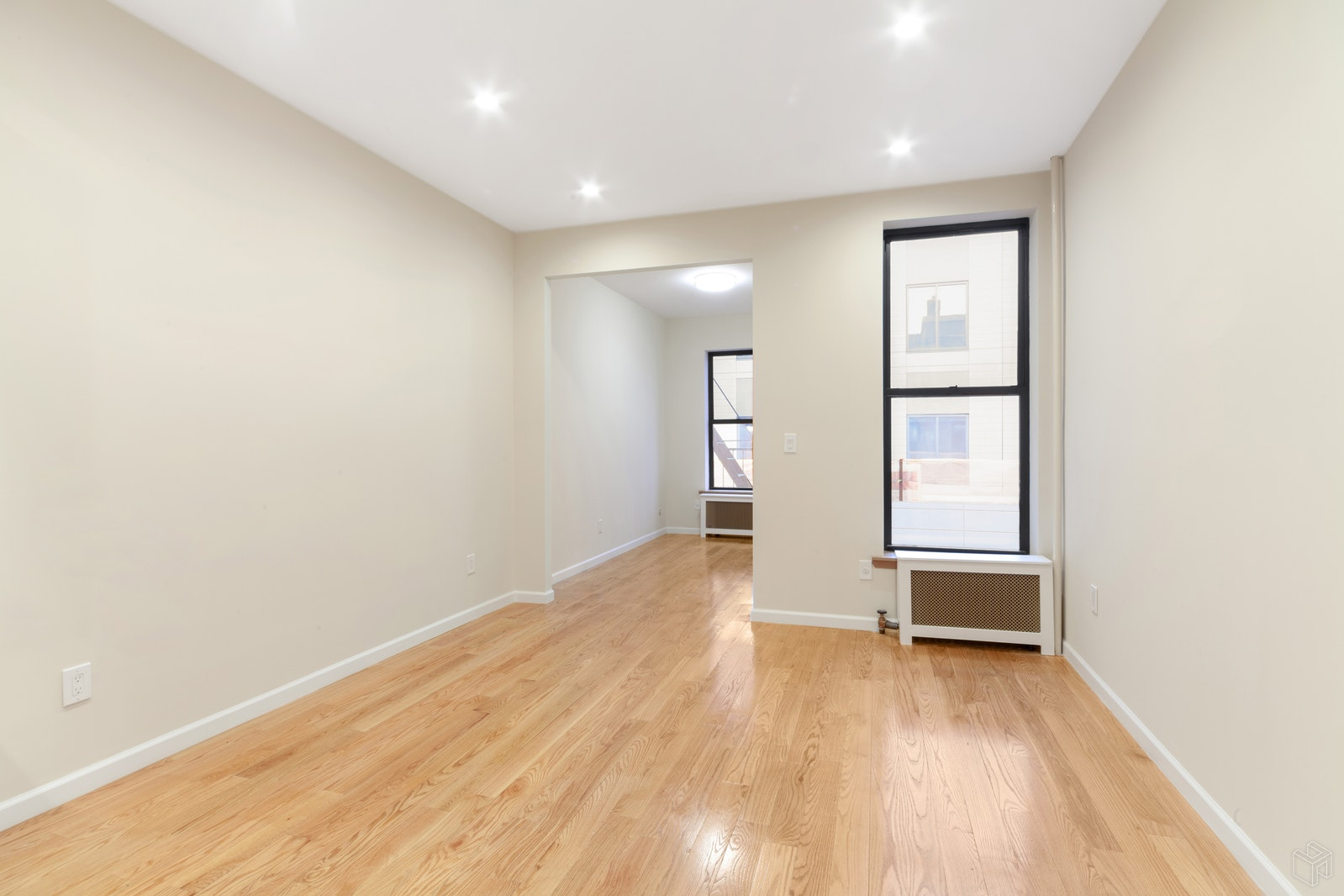 528 5th Street 3R, Park Slope, Brooklyn, NY, $3,500, Web #: 19320859