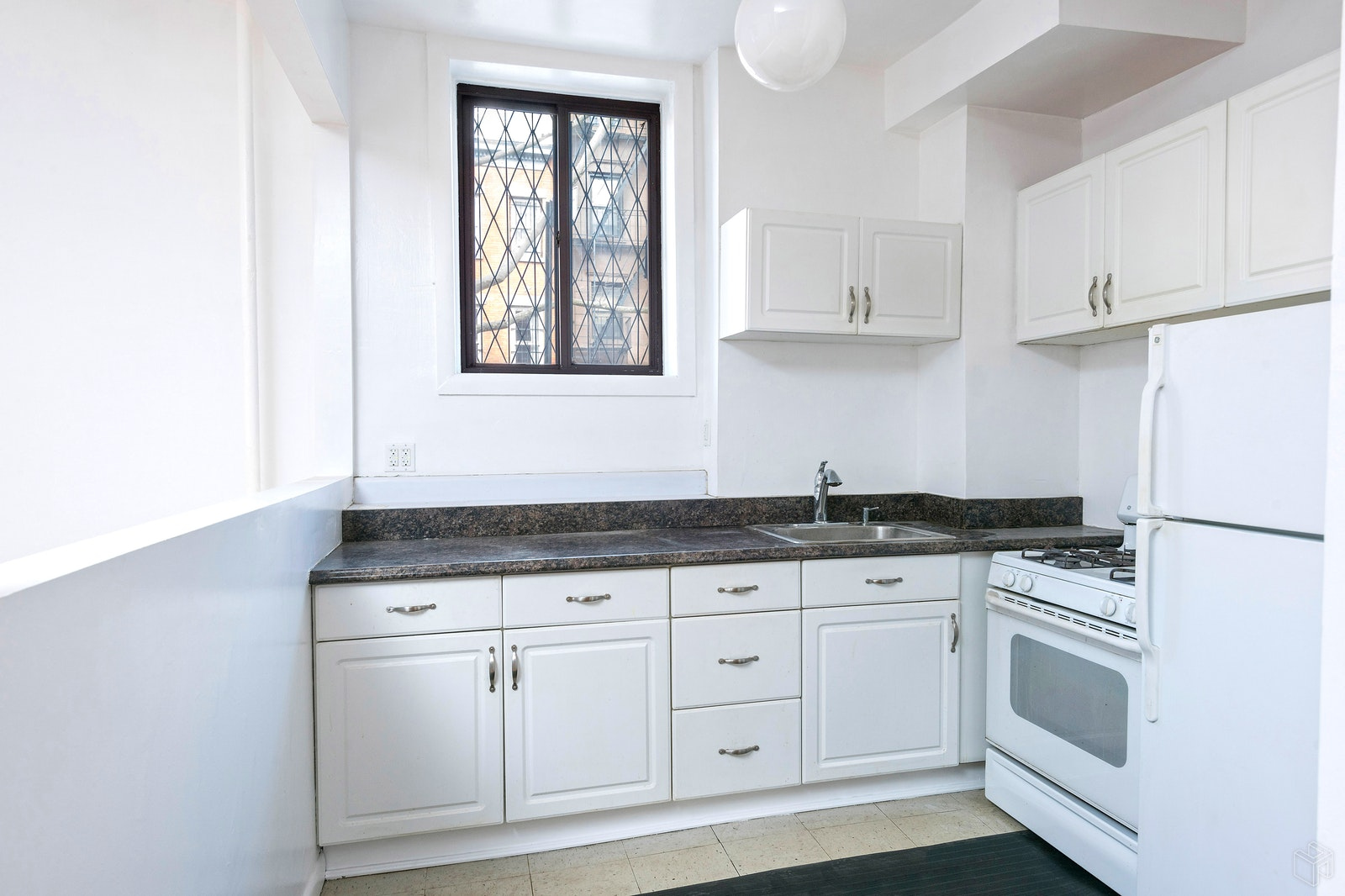 110 Hoyt Street 1, Boerum Hill, Brooklyn, NY, 11217, $875,000, Sold Property, Halstead Real Estate, Photo 3