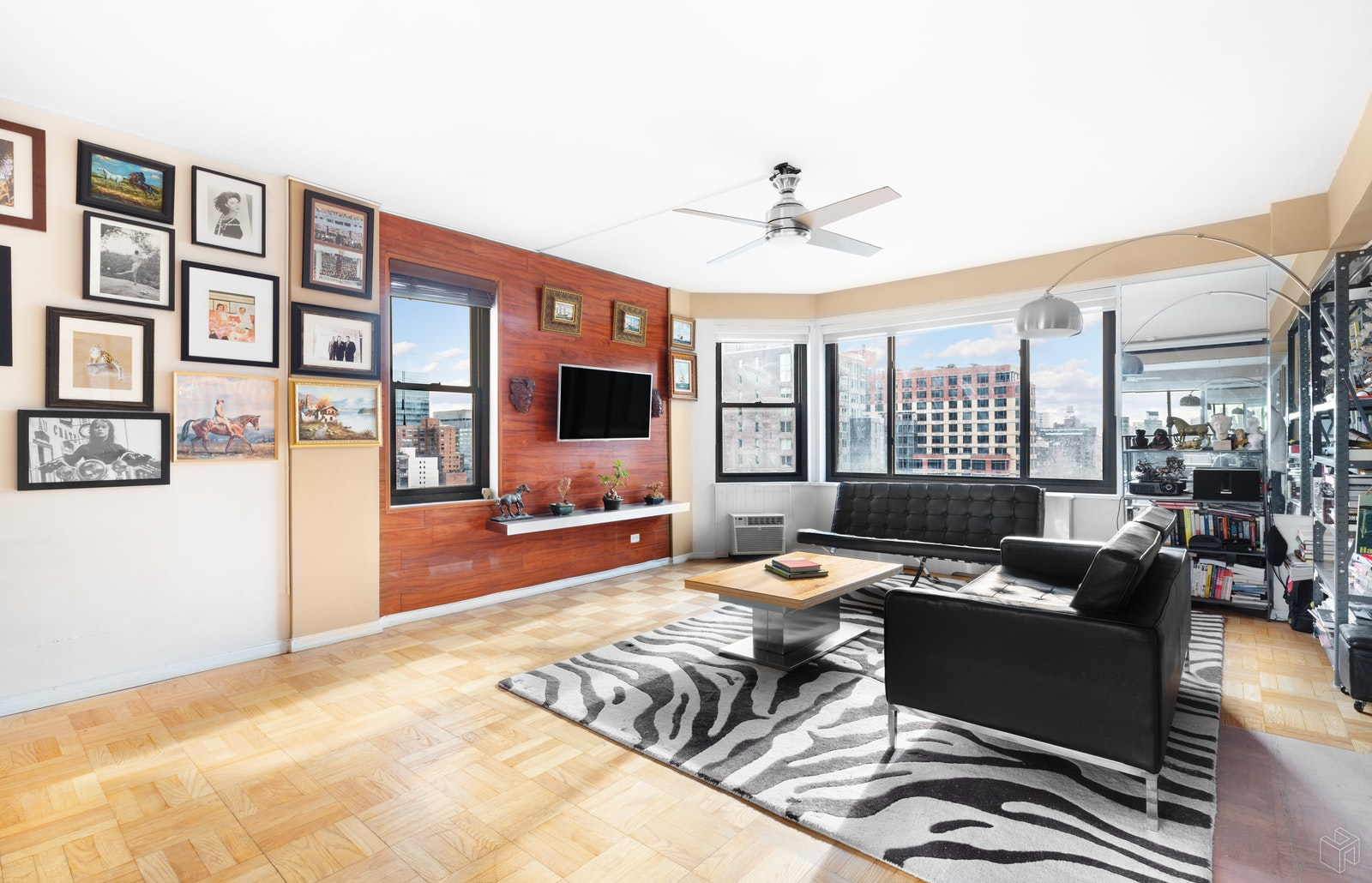 200 East 36th Street 17g, Murray Hill Kips Bay, NYC, 10016, $579,000, Property For Sale, Halstead Real Estate, Photo 2