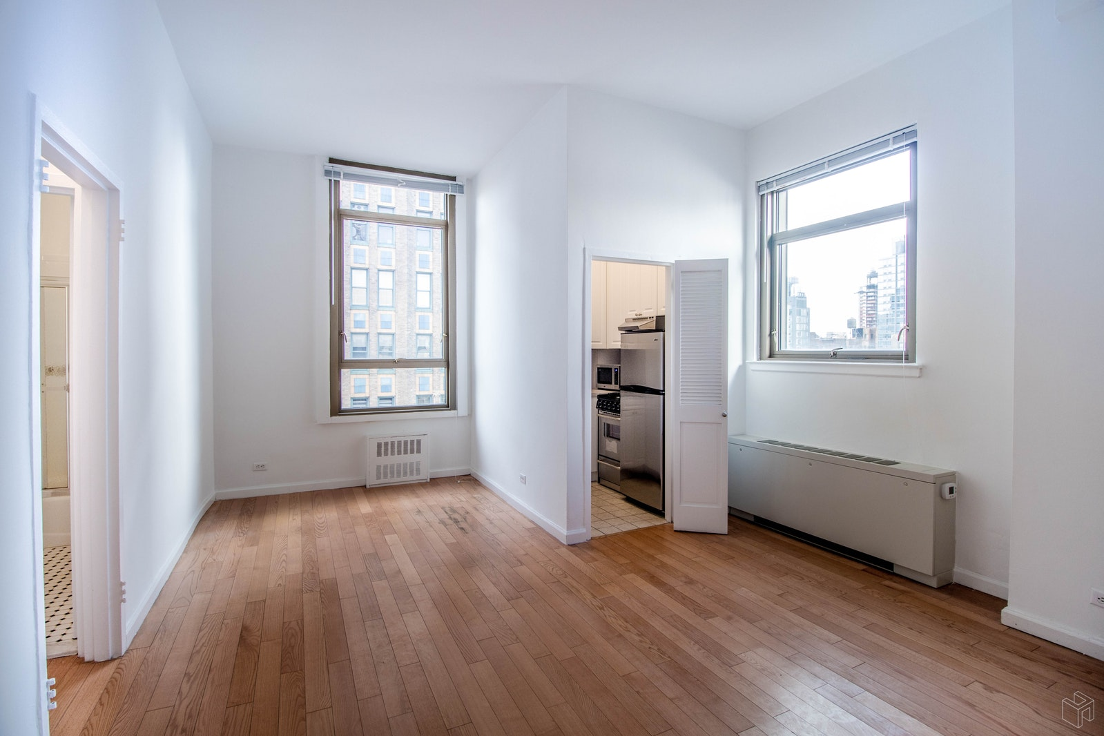 4 Park Avenue, Midtown East, NYC, $2,650, Web #: 19363001