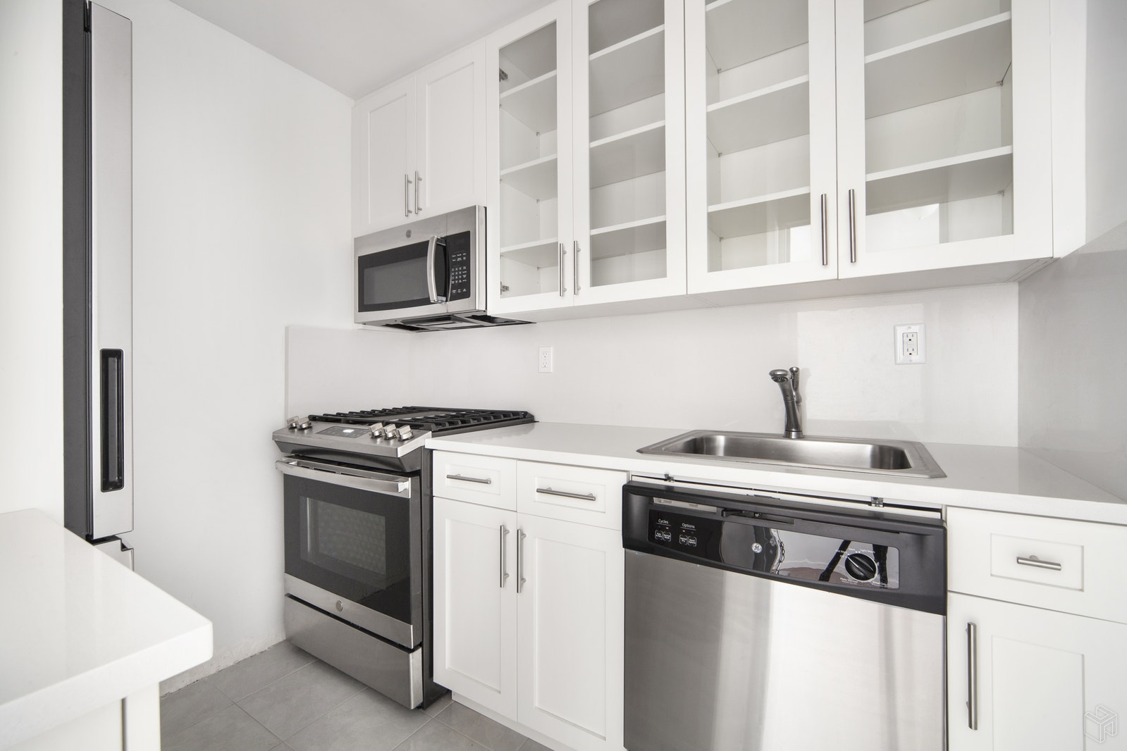 165 West 66th Street 11S, Upper West Side, NYC, $565,000, Web #: 19372357