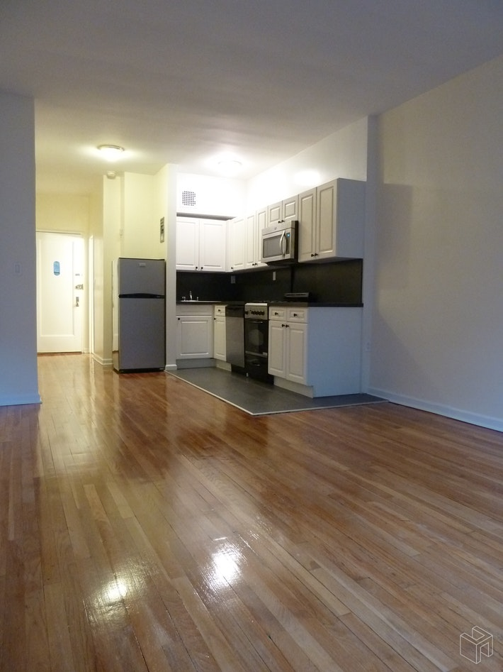 East 88th Street, Upper East Side, NYC, $2,100, Web #: 19439304