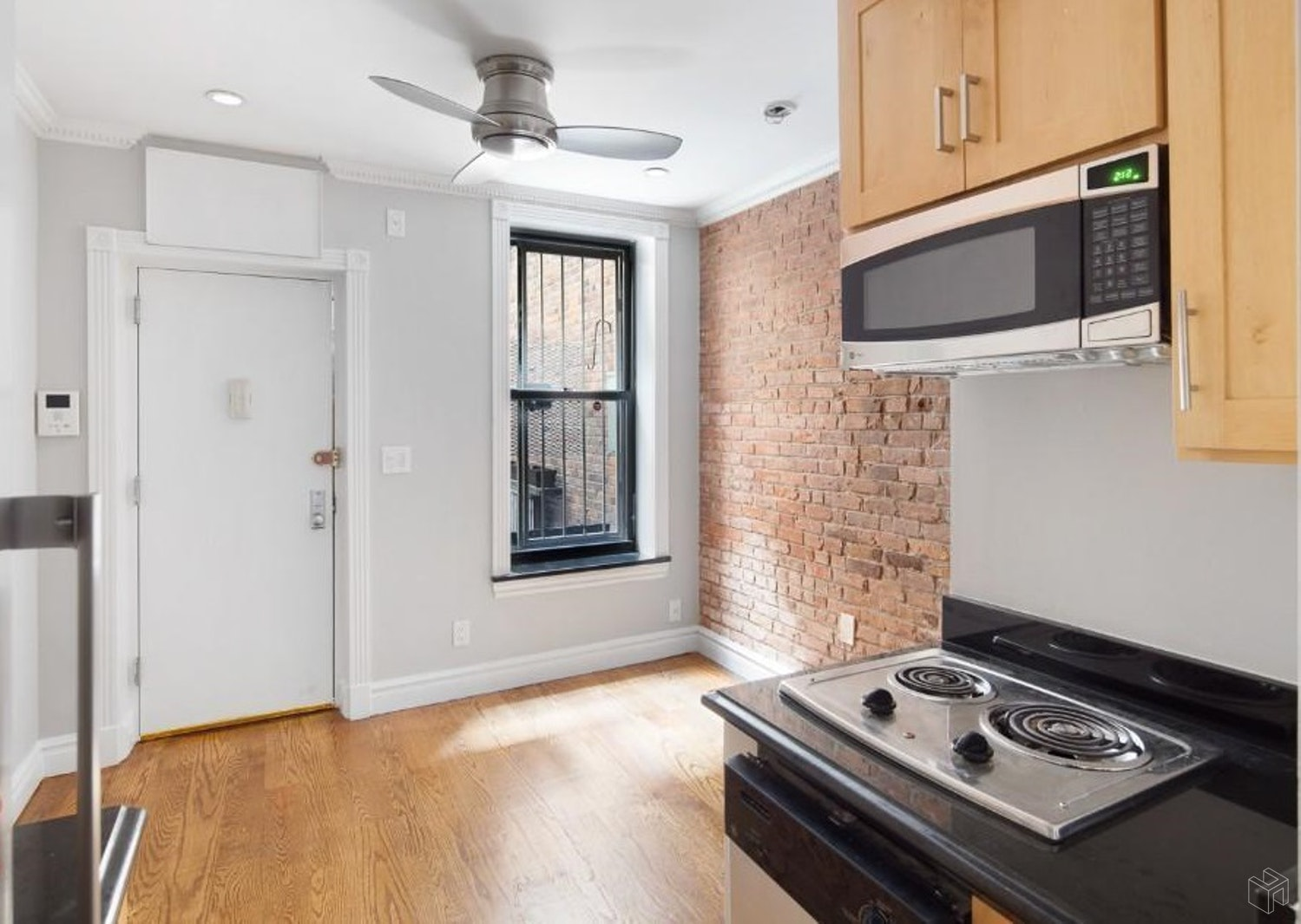 439 West 50th Street 1rw, Midtown West, NYC, 10019, Price Not Disclosed, Rented Property, Halstead Real Estate, Photo 2
