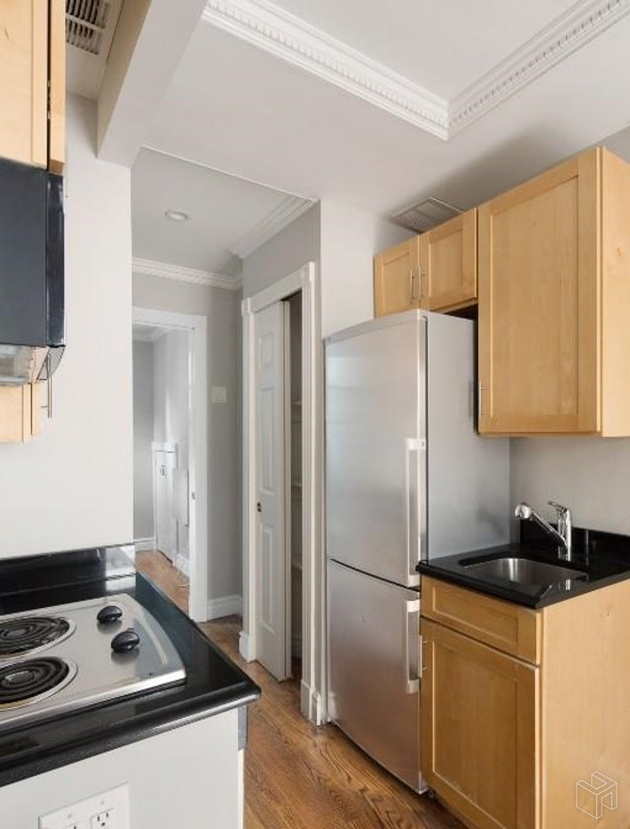 439 West 50th Street 1rw, Midtown West, NYC, 10019, Price Not Disclosed, Rented Property, Halstead Real Estate, Photo 4