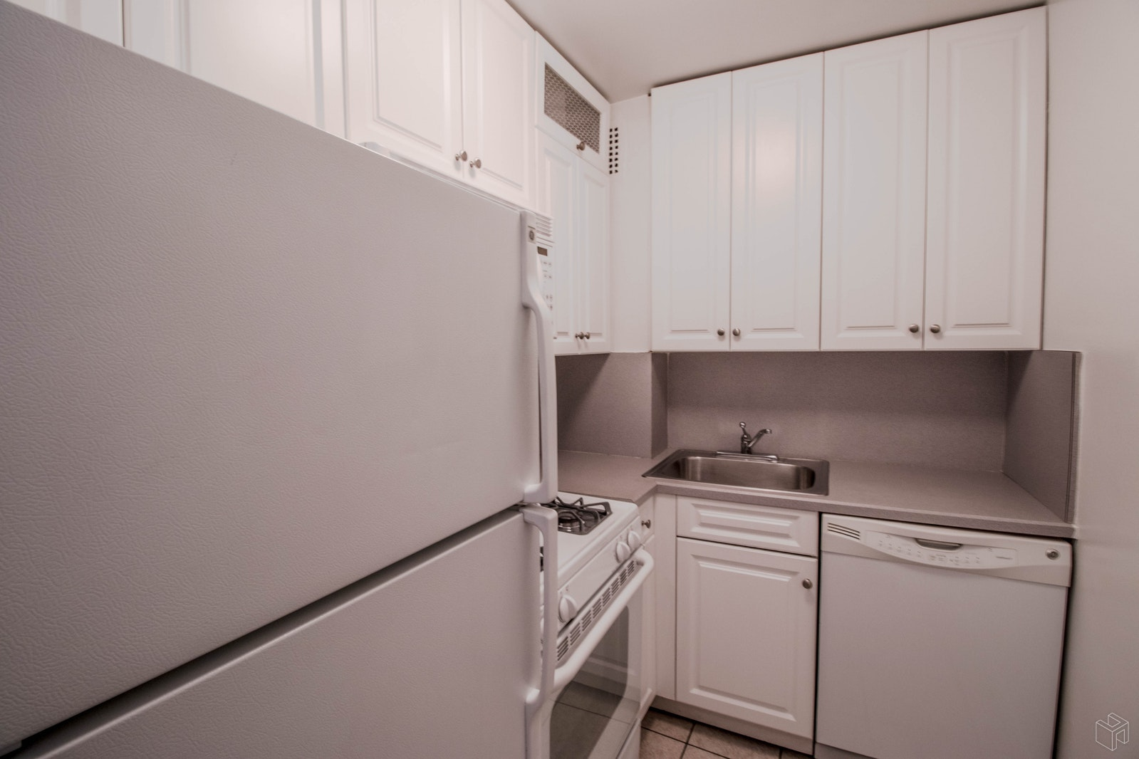 East 87th Street, Upper East Side, NYC, 10128, Price Not Disclosed, Rented Property, Halstead Real Estate, Photo 5