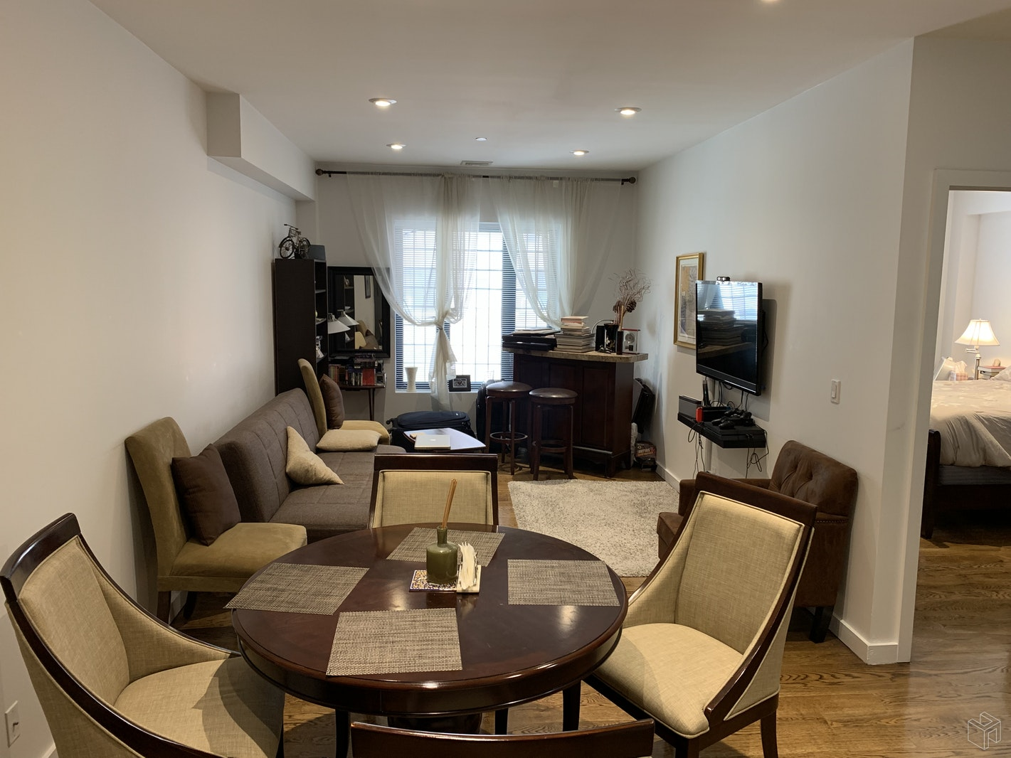 210 East 35th Street 5A, Murray Hill Kips Bay, NYC, $3,462, Web #: 19475620